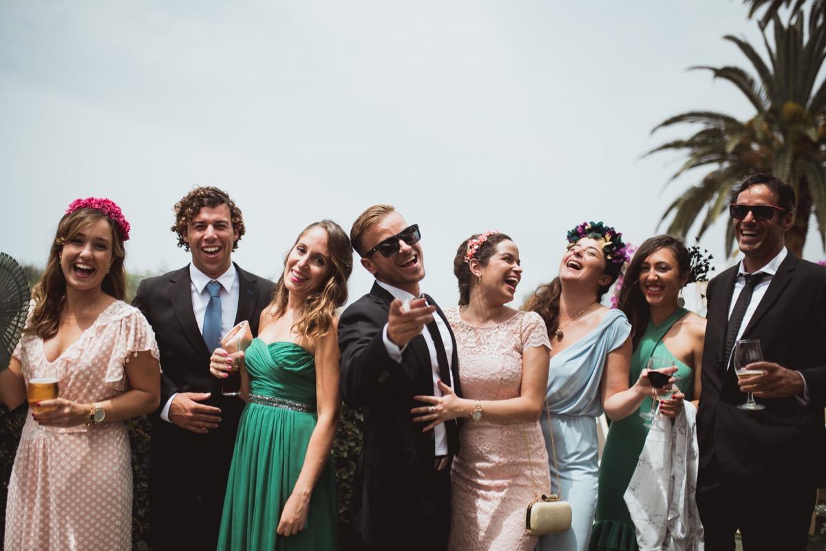 invitados de boda molones