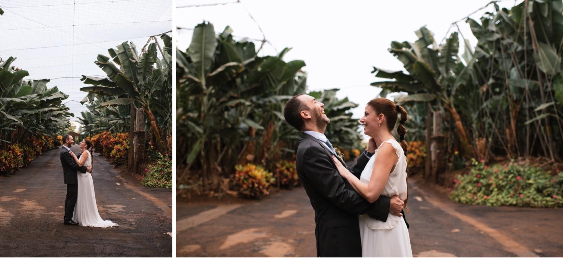 posado de novios en boda en finca platanera punta del lomo Tenerife